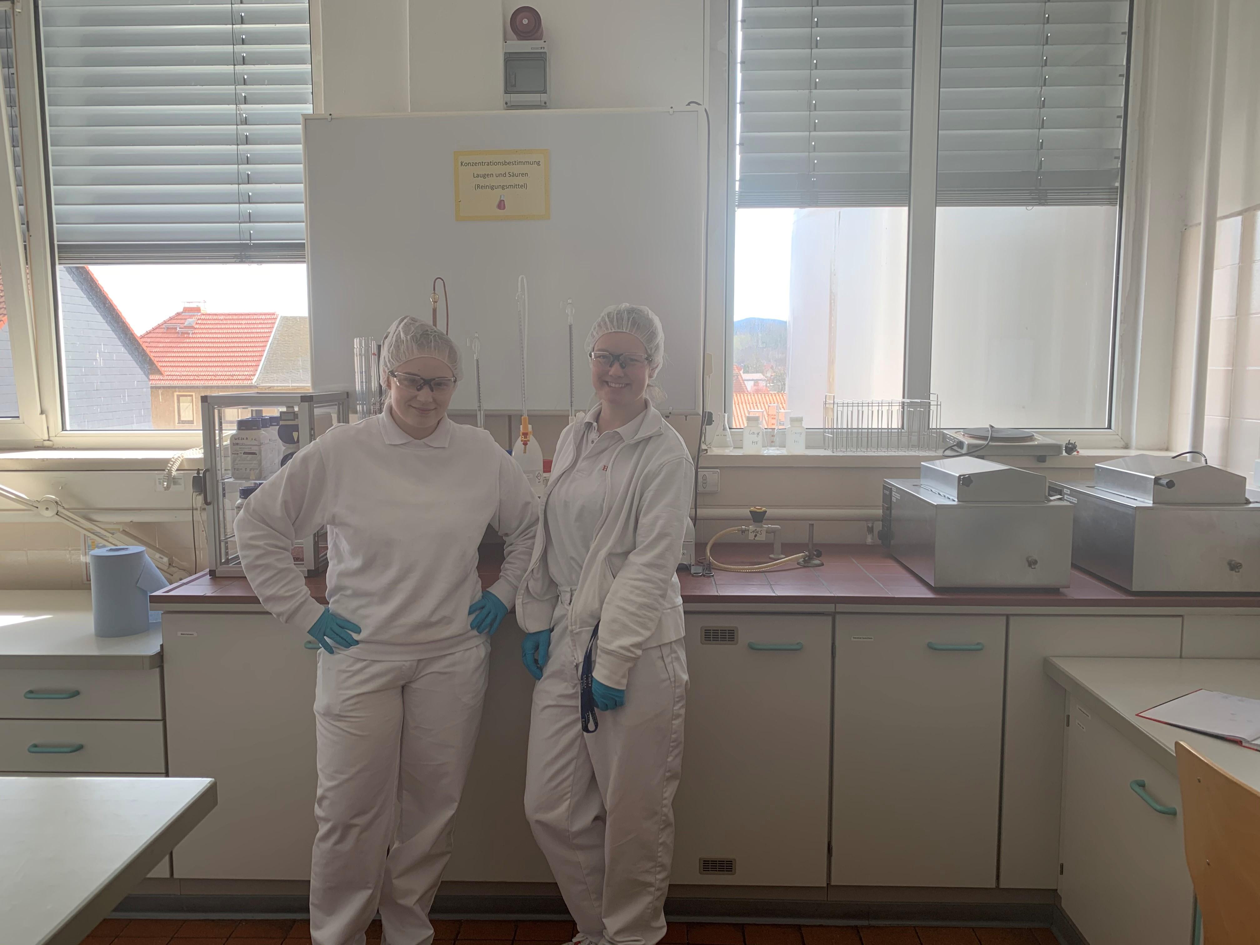 Azubis zum milchwirtschaftlichen Laboranten starten mit besonderem Projekt
